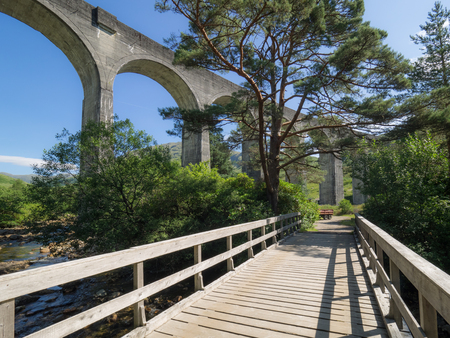 Genfinnan Viaduct seen from below from a small wooden bridge Banque d'images