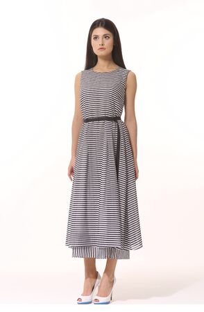 business woman executive posing in formal striped long skirt summer dress Banque d'images - 149586401