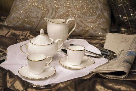 desayuno romantico: Bandeja desayuno con t� de ma�ana