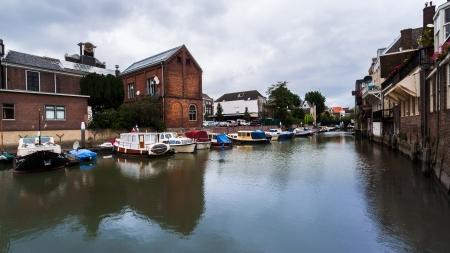 dordrecht: Old buildings near a canal in Dordrecht, The Netherlands
