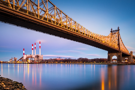 queensboro bridge: Ed Koch (aka Queensboro) bridge and the Ravenswood generating station as viewed from Roosevelt Island in New York