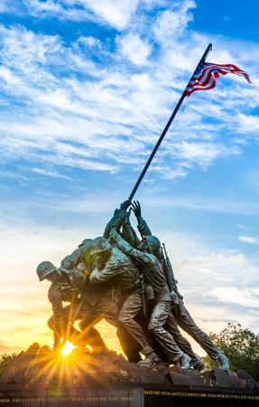 ワシントン DC で硫黄島記念館。記念碑は名誉 1775 以来米国を守って死んだ海兵隊です。 写真素材