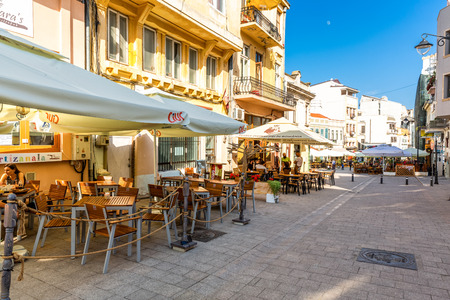 CONSTANTA, ROMANIA - MAY 24, 2018: Old town pedestrian street with restaurants and pubs. Constanta, founded as a colony almost 2600 years ago, is the oldest attested city in Romania Banque d'images - 108349878