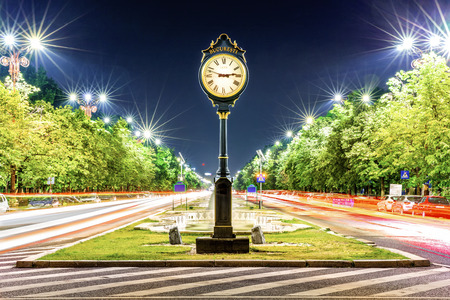 Union Boulevard by night, in downtown Bucharest (aka Bucuresti), Romania Banque d'images - 108371739