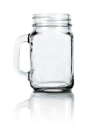 frasco: Vaciar bebedero albañil. Aislado en el fondo blanco con trazado de recorte