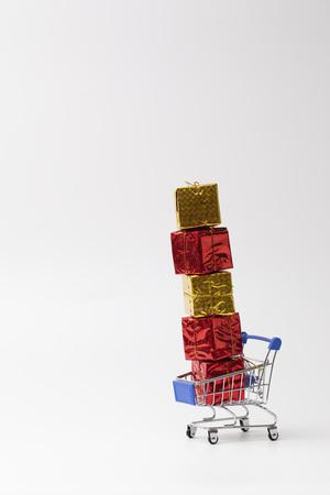 Shopping cart with full load gift box 免版税图像