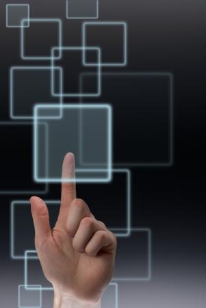 pushing the button: Al pulsar el bot�n en la pantalla t�ctil