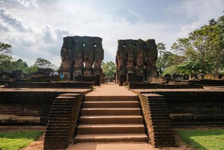 past civilizations: Ancient ruins of palace in Polonnaruwa, Sri Lanka