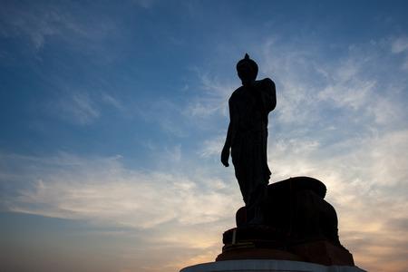 Silhouet van Boeddha beeld op Phutthamonthon, Nakhon Pathom, Thailand. Stockfoto