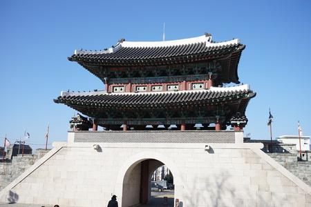 한국의 성 입구. 에디토리얼