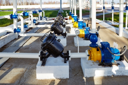 pipelines: pipes, pump and filter at an oil storage