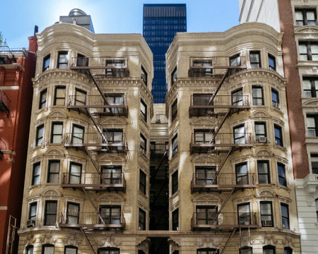 old new york: New York, USA - September 20, 2015: The architectural style of the city of New York, the old building in midtown Manhattan in New York City.