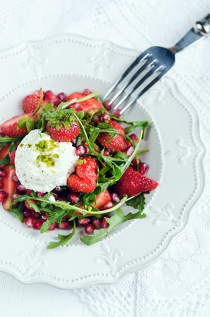 ricotta cheese: Salad with strawberry, rukolla and ricotta cheese