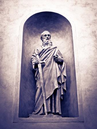 inri: Saint Paul statue