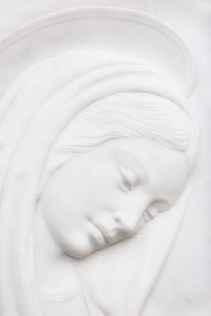 vierge marie: madonna statue