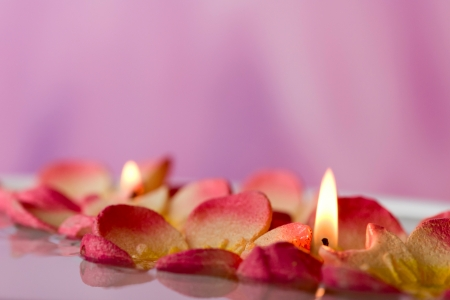 floating candles Stock Photo - 15223748