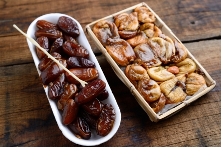 dates fruit: dates and dried figs