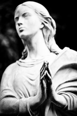 monumental cemetery: the hands