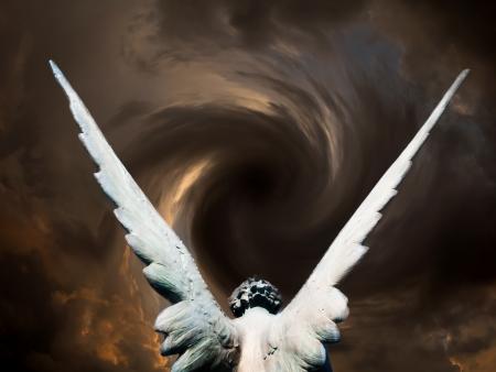 angel de la guarda: �ngel y v�rtice de nubes