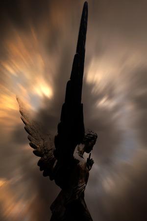 天使 版權商用圖片 - 25945369