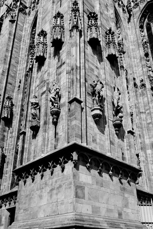 sud: Duomo Milan sud stairs facade Stock Photo