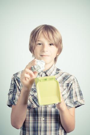 ni�os reciclando: la educaci�n de reciclaje