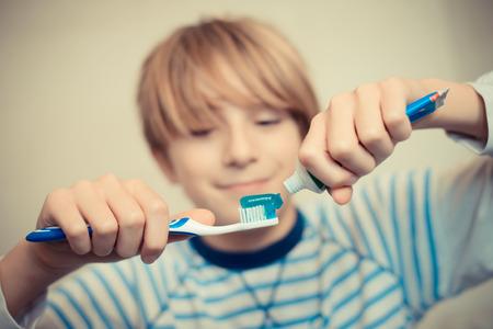 brush teeth: an ordinary day - brush your teeth