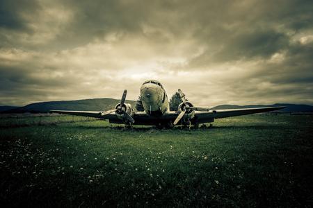 war plane wreck 版權商用圖片