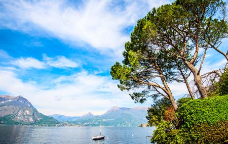 anchored sailboat - Como Lake Italian Landscape 版權商用圖片