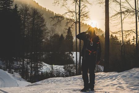 在日落回家 - 旅遊概念遊覽野生自然 - 戶外活動阿爾卑斯山意大利 版權商用圖片