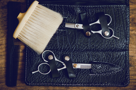 hairdresser tools on wooden table 版權商用圖片