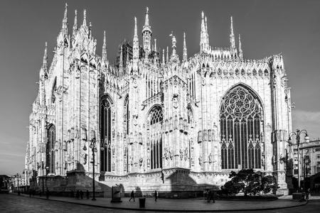 Milan Duomo detail - black and white image 版權商用圖片