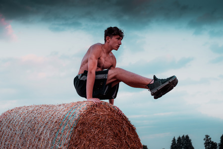 countryside workout at sunset - hight contrast style image 版權商用圖片