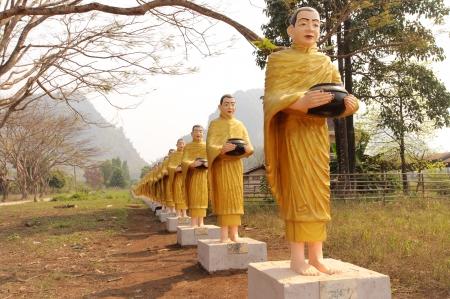 Buddha statuary Stock Photo - 17999636