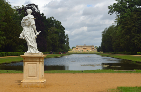 wrest: Wrest park French style mansion, long water and statue of William of Orange. Editorial