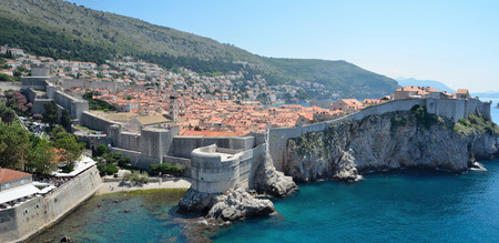srd: Dubrovnik old town, city wall and Adriatic Sea.