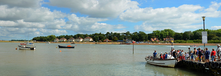 felixstowe: A Panorama of to many people trying to board the ferry to cross the river Deben at Felixstowe Ferry.