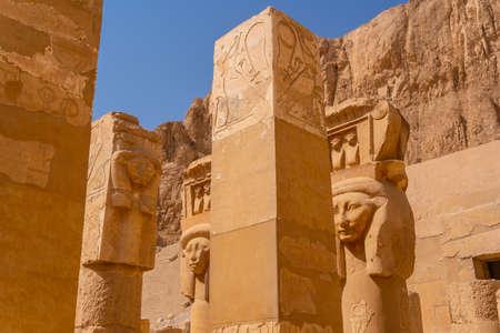 Historical sculptures on the pillars of the Hatshepsut Funerary Temple in Luxor. Egypt Banco de Imagens