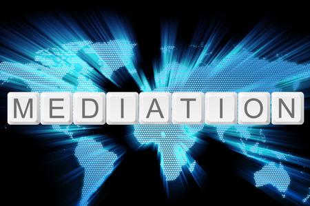 mediation toetsenbord knop met wereldkaart achtergrond.
