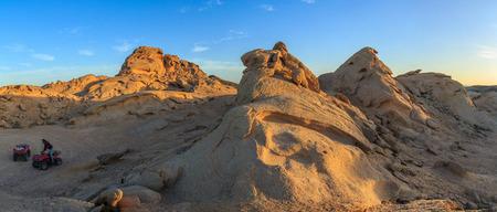 horizon over land: Desert at sunset