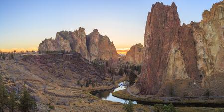 smith rock: Smith Rock State Park, Oregon,USA