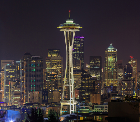 The Space Needle is an observation tower in Seattle Standard-Bild