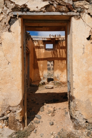 Abandoned house in the desert in Lanzarote Spain Stock Photo - 19408441