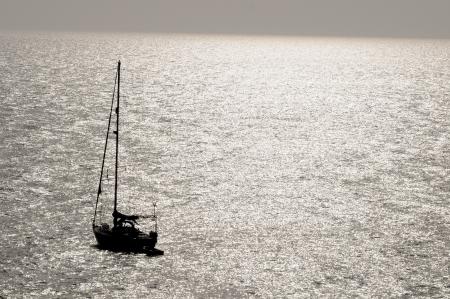Aftekenen Zeilboot op de Atlantische Oceaan bij de Canarische Eilanden