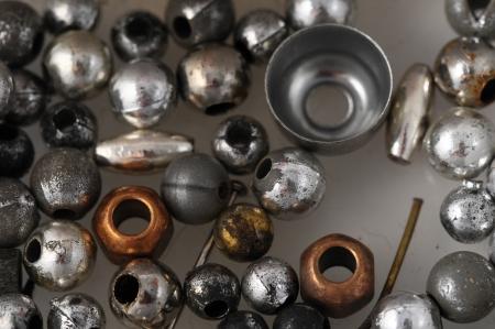 Materialen om handgemaakte sieraden Produce Geïsoleerd op een witte achtergrond Stockfoto