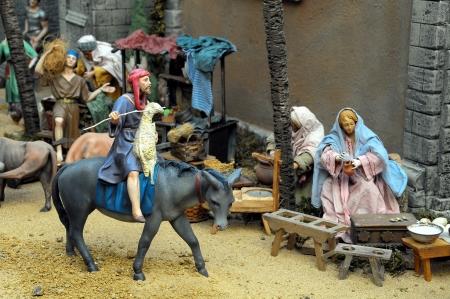 estrella de belen: Estatuilla tradicional europea en un Pesebre Pesebre de Navidad