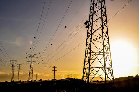 Energie Elektriciteit Pyloon op een Blue Sky Stockfoto