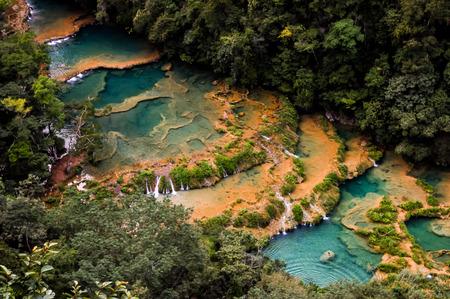 Landschap in Semuc Champey, Lanquin, Guatemala, Midden-Amerika