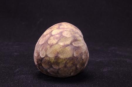 chirimoya: Cherimoya Tropical Fruit