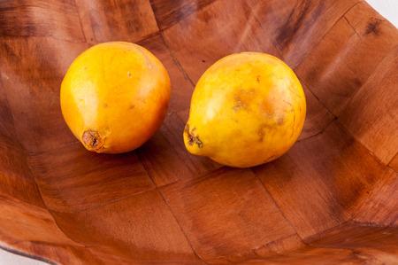 Frais jaunes mûrs Maracuya Tropical Fruit de la Passion Banque d'images - 35658561